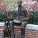 Линкольн со своей собакой